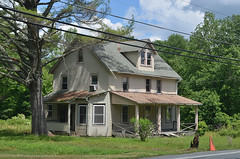 House in Woodbourne (rchrdcnnnghm) Tags: house abandoned sullivancountyny woodbourneny oncewashome