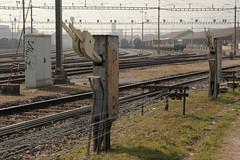 Aussenanlage des mechanischen Stellwerk des Rangierbahnhof Biel - Bienne im Kanton Bern der Schweiz (chrchr_75) Tags: chriguhurnibluemailch christoph hurni schweiz suisse switzerland svizzera suissa swiss chrchr chrchr75 chrigu chriguhurni mrz 2015 albumbahnenderschweiz albumbahnenderschweiz201516 schweizer bahnen eisenbahn bahn train treno zug albumzzz201503mrz juna zoug trainen tog tren  lokomotive  locomotora lok lokomotiv locomotief locomotiva locomotive railway rautatie chemin de fer ferrovia  spoorweg  centralstation ferroviaria