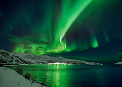 Aurora over Bo Fjord, Norway (Wayne Pinkston) Tags: nightphotography night canon landscape aurora nightsky northernlights auroraborealis canon1dx waynepinkston lightcraftercom