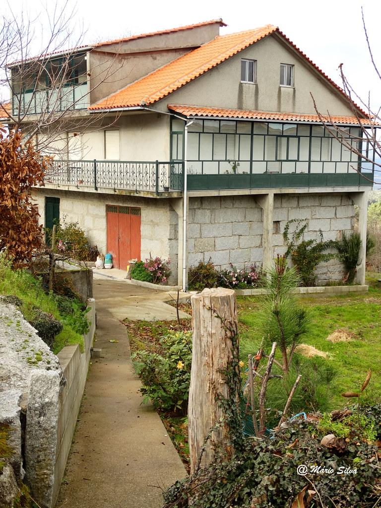 Águas Frias (Chaves) - ... mais uma casa na Aldeia ...