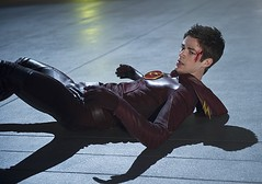 The Flash fighting the Mist (Guardian Screen Images) Tags: show man crimson television speed scarlet comics book dc tv comic allen brothers grant spin flash fast books super off warner barry hero superhero cw series network alive bros fastest speedster spinoff the 2014 netowrk gustin