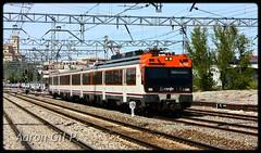 Regional Valladolid - Ávila (04/2011) (aarongilp) Tags: train tren zug valladolid local treno caf 440 mitsubishi regional trein omnibus agp comboio renfe 238 ter regio ávila stopping suburbano macosa 470 adif aarongilp
