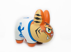 Tiger Labbit (WuzOne) Tags: painting toy diy football geek tiger vinyl kidrobot collectible custom commission kozik dunny tottenham labbit vinyltoy munny wuzone
