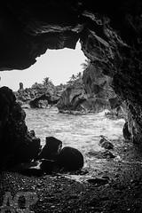 Ocean cave at Wai'anapanapa State Park, Maui. (anders.acp) Tags: ocean vacation hawaii video maui waianapanapastatepark 2015 fujix100s anderscarlson andersphotos march2015