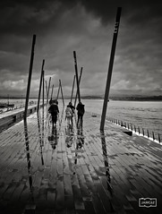 Paseo tras las lluvia/ Walk after the rain (Jose Antonio. 62) Tags: blackandwhite bw espaa blancoynegro beautiful clouds photography spain nubes santander cantabria