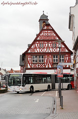 Bunte Buswelt - Gro-Gerau (apfelpudding) Tags: bus mercedesbenz autobus omnibus fachwerk pnv rmv gelenkbus citaro linienbus lnvg grosgerau mercedesbenzcitaro lokalenahverkehrsgesellschaftmbhkreisgrosgerau