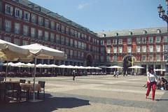 20120528_MadridSquare (jae.boggess) Tags: spain espana europe travel trip eurotrip spring springtime madrid