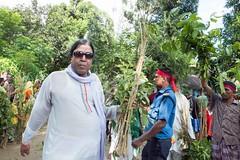 H504_3341 (bandashing) Tags: trees red england music men green manchester dance shrine branch village hill pray crowd sing sylhet bangladesh socialdocumentary mazar baul aoa shahjalal bandashing akhtarowaisahmed treecuttingfestival lallalshahjalal
