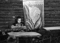 Fuerza Soledad (ebreyneg) Tags: photography photo pub foto amor venezuela cerveza cell caracas celular che soledad fotografia revolucin espera ocio cheguevara maz nikon35mm nikond7000