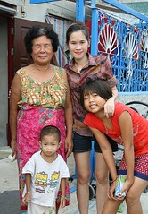 family portrait (the foreign photographer - ) Tags: ladies portraits canon thailand three kiss grandmother bangkok daughter mother son khlong bangkhen thanon 400d