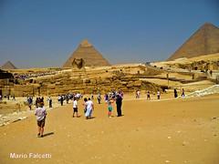 Egypt: at Giza (mariofalcetti) Tags: people pyramid egypt persone giza egitto sfinge piramide