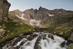 Le gant de pierre (Ronan'35) Tags: france montagne paysage pyrnes vignemale ronanlambert