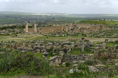 Volubilis: House of the Columns, from the top of the tumulus (diffendale) Tags: city archaeology site ancient roman ciudad romano morocco maroc stadt sit marocco archaeological marruecos antico romain zona vill