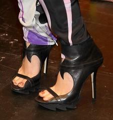 Feet & Shoes (1029) (♠I Love Feet & Shoes♠) Tags: street sexy feet stockings pie shoes highheels sandals tights lingerie heels pés huf hoof bas pieds mules pantyhose schuhe casco piedi meias medias scarpe sandalias chaussures sapatos sandálias zapatillas sandalen ноги sandales чулки sabot sandali πόδια strümpfe ботинок παπούτσια туфля calcanhares каблуки füse σανδάλια κάλτσεσ копыто сандалий οπλή
