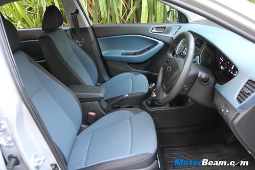 2015-Hyundai-i20-Active-43