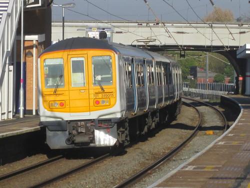 Elstree and Borehamwood: Thameslink Class 319 (Hertfordshire)