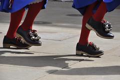 Dance for St. George - Folk dancing festival (Tim Dennell) Tags: circle dance dancers folk sheffield traditional circassian sheffieldcitygiants grenosidesworddancers steelrapper lizziedripping fiveriversmorris handsworthsworddancers blackheart boggartsbreakfast yorkshirechandelier threeshiresclog