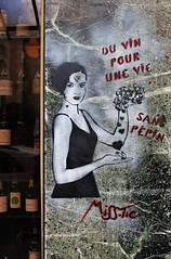 Miss Tic_1702 rue du Dr Leray Paris 13 (meuh1246) Tags: streetart paris fruit raisin paris13 misstic ruedudrleray