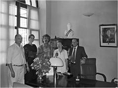 Au Consulat Gnral de France - Pondichery - Inde du Sud - fvrier 1995 (JJ_REY) Tags: india film kodak marriage isabelle tamilnadu pondichery jeanjacques gold200 nikonf401s