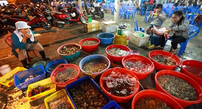 3 - Chợ Sơn Trà