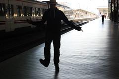 Dancing between trains. (RodrigoMMR) Tags: hat train tren dance trainstation sombrero estacindetren