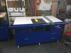Table saw with VerySuperCool Tools machined aluminum extrusion fence