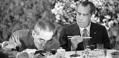 Nixon learning to use chopsticks during his visit to China, 1972 [610x300] #HistoryPorn #history #retro http://ift.tt/1TzDmXJ (Histolines) Tags: china history during visit nixon retro chopsticks use learning his timeline 1972 vinatage historyporn histolines 610x300 httpifttt1tzdmxj