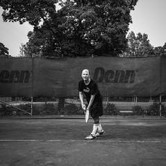 Sylvester 2016-05-22 (Michael Erhardsson) Tags: tennis serve maj vr rebro 2016 svartvitt stadsparken trning