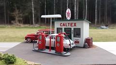 Caltex Gas Station (Libban) Tags: volvo gasstation oil gasoline texaco mack saab gaspump caltex 143 bensin oilcans gassign duett bensinstation bensinmack bensinpumpar caltexskylt oljeburkar