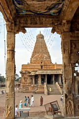 Un art magnifique (Chemose) Tags: india architecture canon temple eos january 7d shiva thanjavur hindu hinduism janvier hdr tamilnadu inde southindia chola dravidian tanjore hindouisme hindou indedusud dravidien brihadeshvara