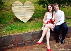 <3 (Mh :)) Tags: tiara love heart amor natureza grama corao casamento casal vestido noiva casamentoaoarlivre