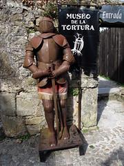 Armadura / Armor (Rafa Gallegos) Tags: old espaa vintage spain armor antiguo cantabria armadura santillanadelmar antigedades