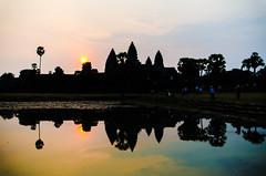 Reflected Hue (Arbron) Tags: asia2015 cambodia centraltower reflectingpond angkorwat siemreap temple  krongsiemreap kh
