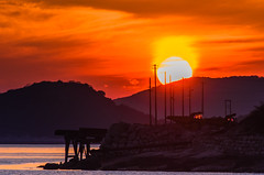 The sun sank into the other side of the stonepit. (kurumaebi) Tags: sunset sea nature landscape nikon yamaguchi mysky   d7000