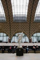Muse d'Orsay (m.e.r.l.i.n.o) Tags: people paris france laura canon eos arte gente arts l museo 40mm francia orsay f4 1740 parigi 6d 17mm stanchezza muse