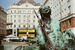 Vienna (konceptsketcher) Tags: vienna city travel sculpture color film analog 35mm canon photography austria ae1 iso400 brunnen neuermarkt 2016