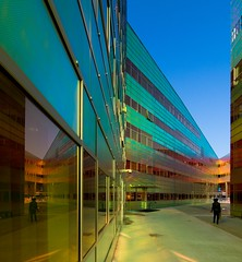 _DSC2225 (durr-architect) Tags: light sun colour reflection netherlands glass architecture modern facade offices almere dfense berkel unstudio