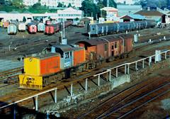 DSC 2122 16/05/1984 Auckland, NZ (DX 5517) Tags: newzealand bobo auckland switcher shunter shunting 2122 bth nzr dsc2122 britishthomsonhouston dscclass britishexportlocomotive