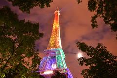 M'dame se dvergonde. (Poulbot75) Tags: paris tower rainbow eiffeltower eiffel moonlight standwithorlando