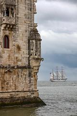 Torre de Belm - Lisboa - Portugal (Xtian du Gard) Tags: tower portugal boats dock torre tour lisboa bateau voilier sailingship lisbonne belm dockbay 3mats