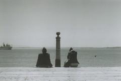 (d'ombra e di luce) Tags: film 35mm lisboa ilforddelta400 minoltasrt101