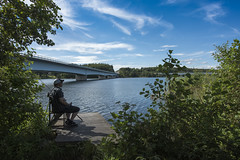 Lonely fischer (PhotoSíntesis) Tags: bridge fischer outdoor landscape summer sweden rastplats