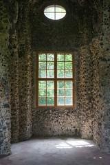 Love in a ghost (emocjonalna) Tags: vojanovysady praha prague ceskarepublika czechrepublic architecture window windows shadow shadowplay sunlight light lightpainting