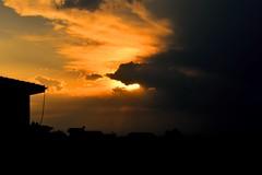Fim de tarde com nuvens de tempestade (marcusviniciusdelimaoliveira) Tags: entardecer pordosol nuvens tempestade chuva luz volumtrica sol cu nuvem aoarlivre cloud clouds storm rain ligth