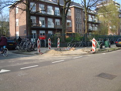 1e Helmersstraat (MarkAmsterdam) Tags: auto life park door bridge music dog sun flower tree bird beach window nature beer caf car rain amsterdam bike sign shop bar train cat river hotel cow alley track floor surfer cab taxi meadow police tram goat streetlife supermarket canals lane muziek knocker skater letterbox calf plein surroundings fiets sloot straat trimmer steeg brommer dayly buildins