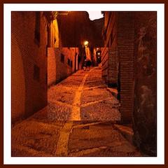 Amor al final del camino .. (1) (margabel2010) Tags: rojo ventanas nocturnas farolas calles piedra tarazona focos callesempedradas callespeatonales imgenesnocturnas callesrurales callesmedievales