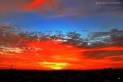 Um final de tarde vermelho e azul... #selotopclick #estrelas #nuvens #pordosol #crepusculo #cloudhunters (helderpalermo) Tags: crepusculo estrelas cloudhunters nuvens pordosol selotopclick