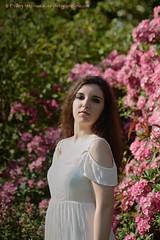 DSC_1281+ (SuzuKaze-photographie) Tags: portrait woman lyon bokeh femme parc swirly helios442 suzukazephotographie