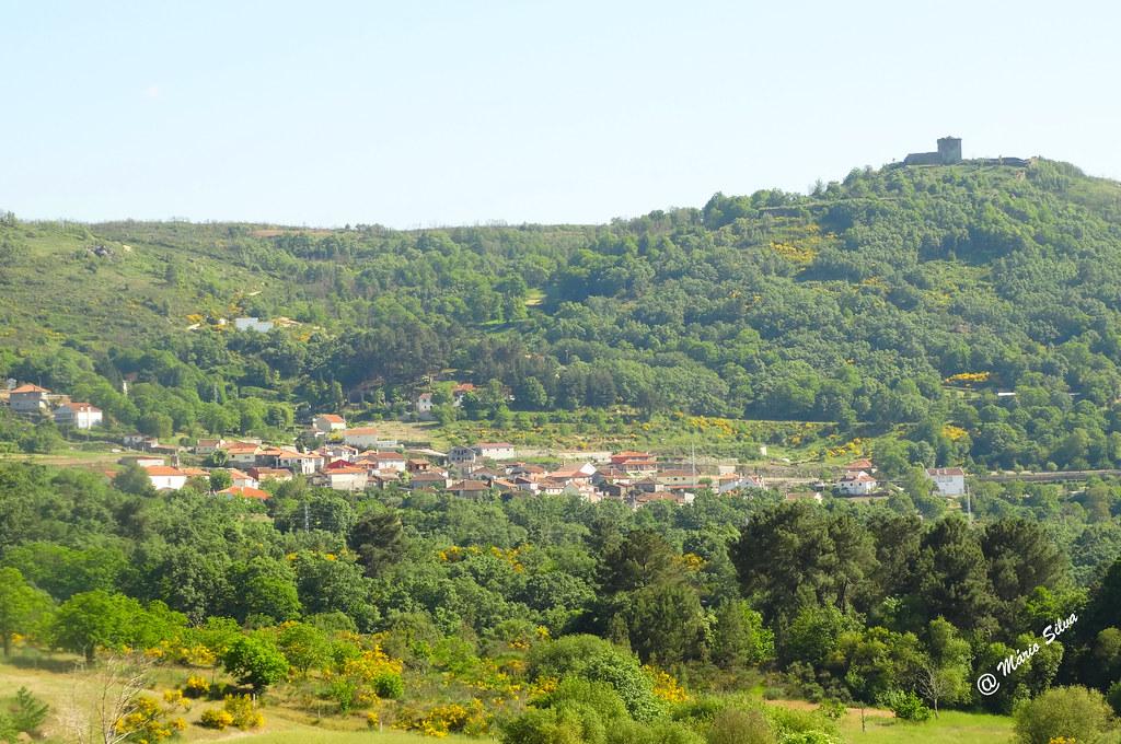 Águas Frias (Chaves) - ... A Aldeia e o seu castelo altaneiro ...