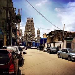 E ao fim de uma rua qualquer de Colombo #Hipstamatic #jane #irom2000 #colombo #streetphotography #ceulon #sri_lanka (Bruno Abreu) Tags: instagramapp square squareformat iphoneography uploaded:by=instagram